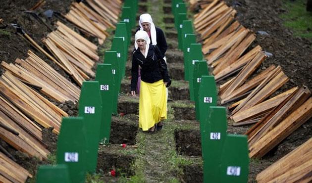 Bosna Hersek'te toplu mezarda yeni kemikler bulundu