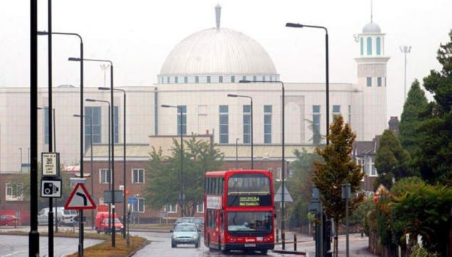 Londra'da camiye izin çıkmadı