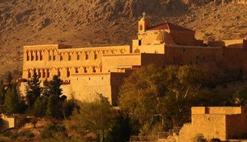 Yüzlerce dönüm Süryani Manastırı'na iade edildi