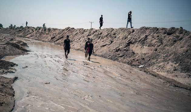 Mısır Gazze sınırına yine deniz suyu pompaladı