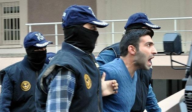 İzmir'de polise saldıran kişi tutuklandı