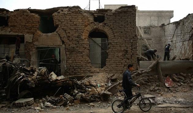 Esad güçleri Duma'yı bombaladı: 45 ölü