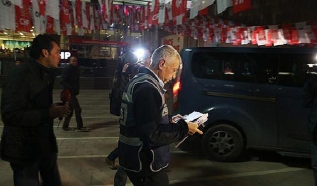 CHP Genel Merkezi önünde silah sesleri