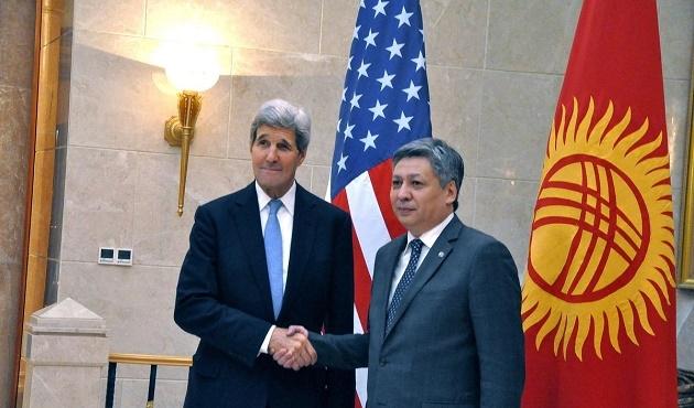 ABD Dışişleri Bakanı Kerry Özbekistan'da