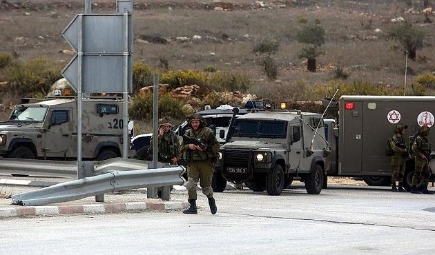 İsrail polisi bir Filistinliyi gözaltına aldı