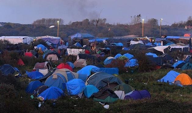 Fransa'da sığınmacı kampı alanında yangın
