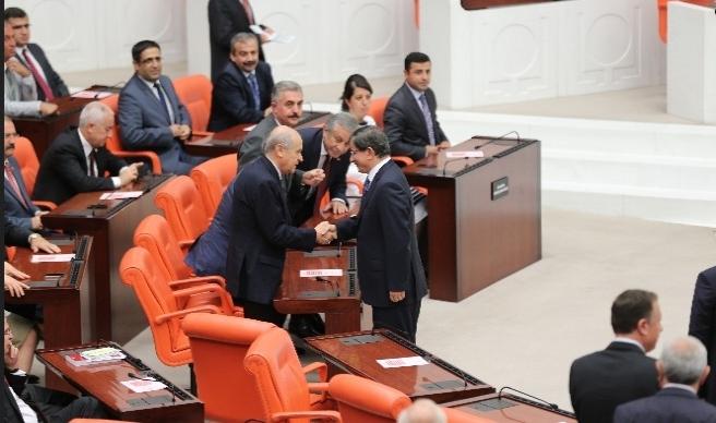 Bahçeli'nin Meclis koltuğu artık Demirtaş'ın