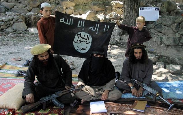 IŞİD, Horasan'da çocuklara el attı
