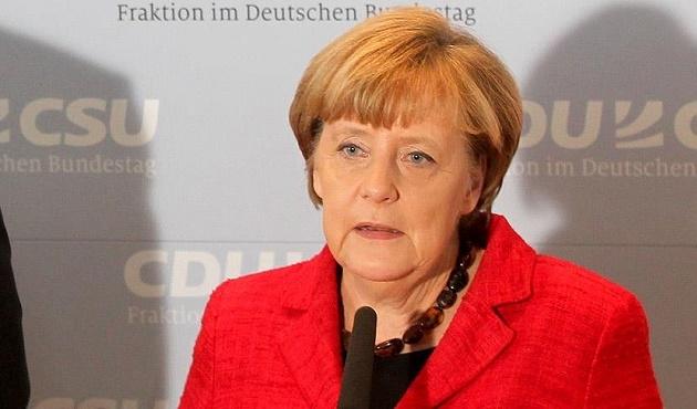 Merkel: Türkiye'nin yükünü paylaşmalıyız