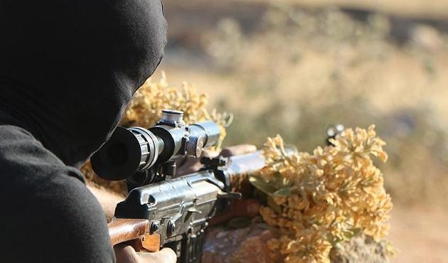 İranlı iki komutan Suriye'de öldürüldü