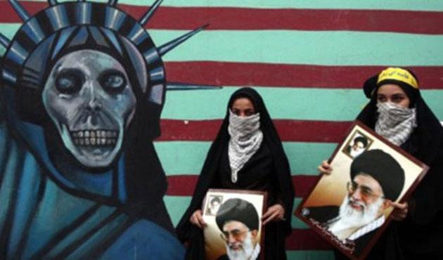 İran'da ABD elçiliği baskının yıldönümü kutlanıyor