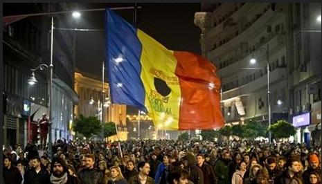 Romanya'daki disko yangını hükümeti devirdi