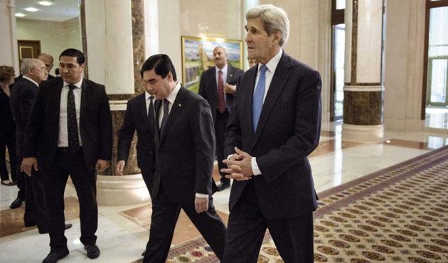 Kerry'den Türkmenistana siyasi tutuklu baskısı