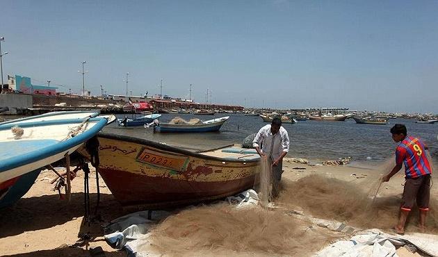 İşgal güçleri Gazzeli balıkçıları gözaltına aldı