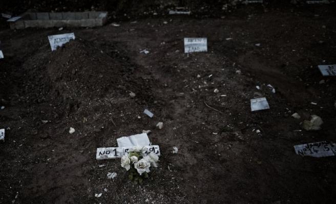 Midilli'de mülteci cesetleri morgda kaldı