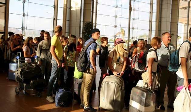 Rusya ve İngiltere Mısır'a 59 uçak gönderdi