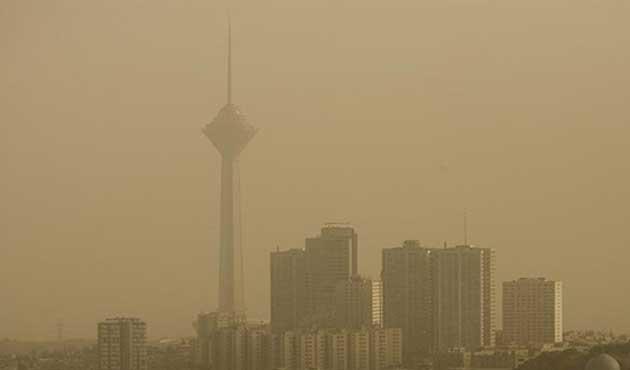Tahran'da hava kirliliği artıyor