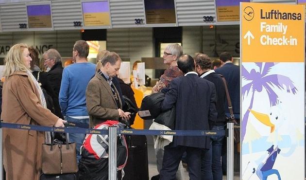 Lufthansa 1000'e yakın uçuşunu iptal etti