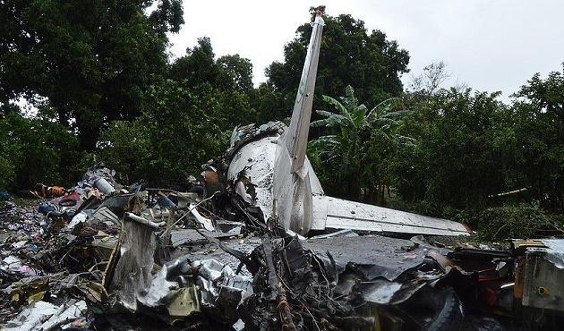 Güney Sudan'da düşen uçağın kara kutusuna ulaşıldı