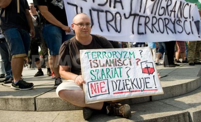 Polonya'da İslam karşıtlarından yürüyüş