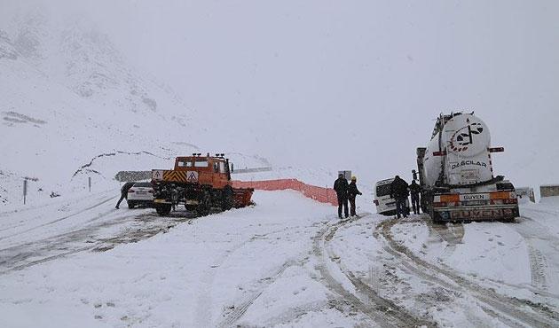 Doğu'da 290 köy yolu ulaşıma kapandı