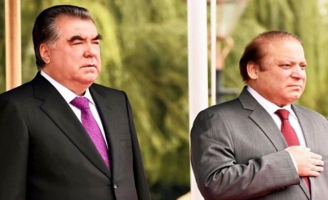 Tacik lider Pakistan'dan 8 anlaşma ile döndü
