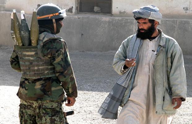 65 Afgan askeri Taliban'a geçti