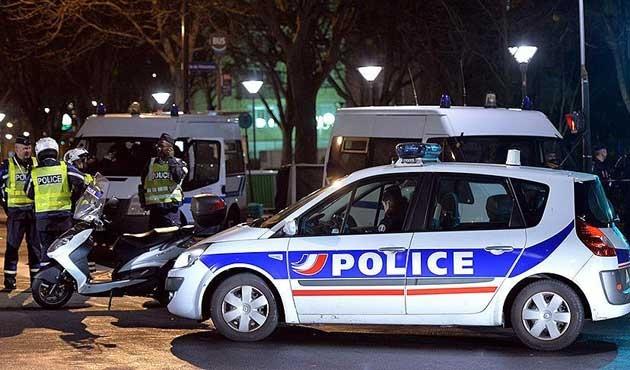 Fransız polisinden, Le Pen'in evine baskın