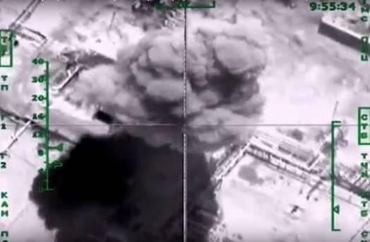 Rusya, IŞİD'in yakıt deposunu vurdu