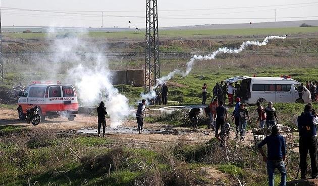 İsrail Gazze sınırına saldırdı: 35 yaralı