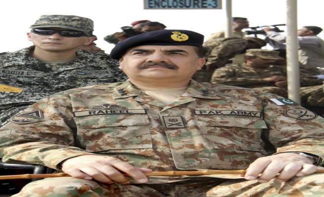 Pakistan polisine silahlı saldırı: 3 ölü