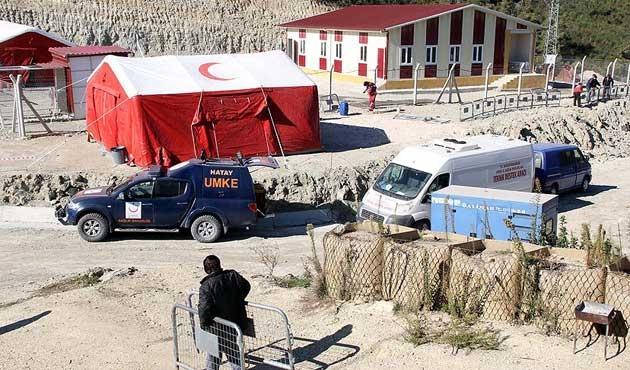 Sınırda Türkmenler için sahra hastanesi kuruldu
