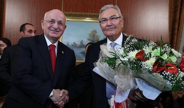 Geçici Başkan Baykal görevini Kahraman'a devretti