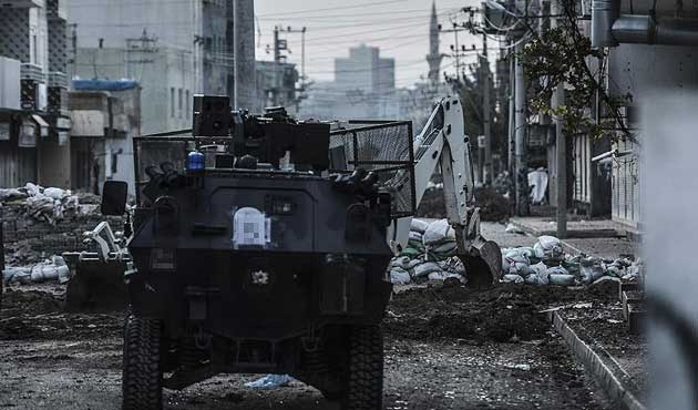 Davutoğlu; ' terörle mücadele kaosu önledi'