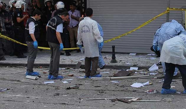 Adana'da patlayıcı yüklü araçla karakola saldırı