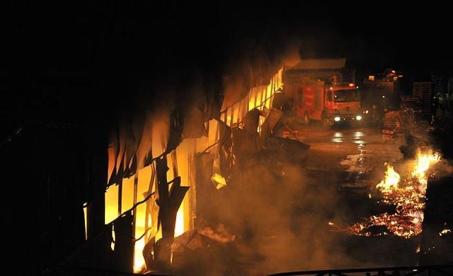 Cezayir'de göçmen kampında yangın: 18 ölü