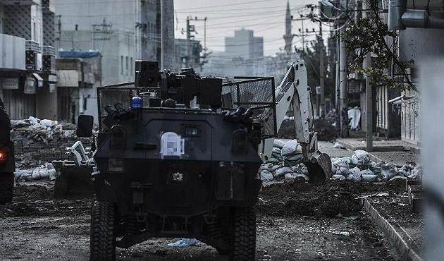Şırnak Valiliği: Cizre'de 1 komiser şehit oldu