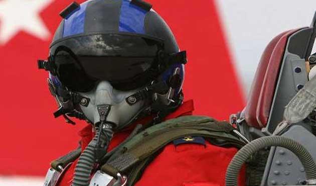Uçağı düşüren Türk pilota 'Ukrayna'dan nişan' girişimi