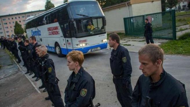 Almanya sınırdışıları ikiye katladı