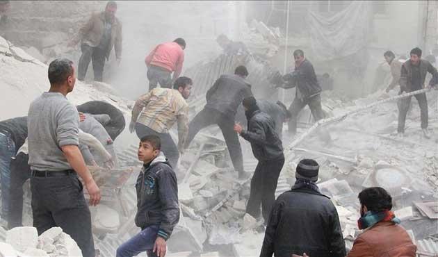 Esed rejimi 'varil' bombasıyla saldırılarını sürdürüyor