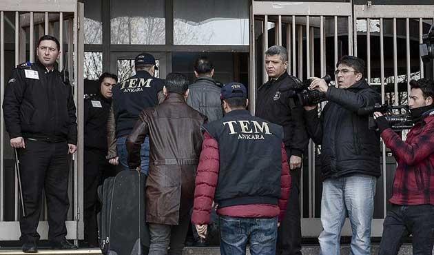Usulsüz dinlemede 18 kişiye tutuklama talebi
