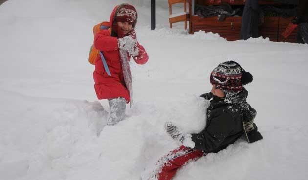 Bursa'da eğitime kar engeli