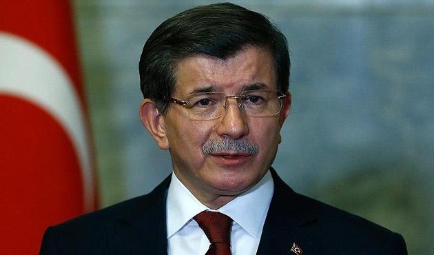 Başbakan Davutoğlu, İngiltere'ye gitti