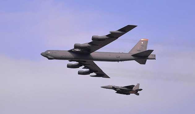 ABD bombardıman uçağı Güney Kore hava sahasında