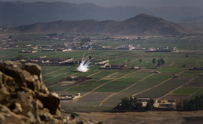 Afganistan'da okula havan saldırısı: 3 ölü