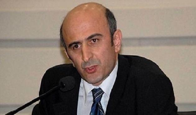 CHP kongresinde Eminağaoğlu kürsüden indirildi