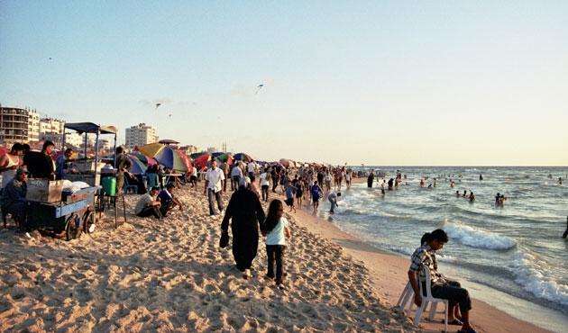Gazze'nin nüfusu 2 milyona yaklaştı