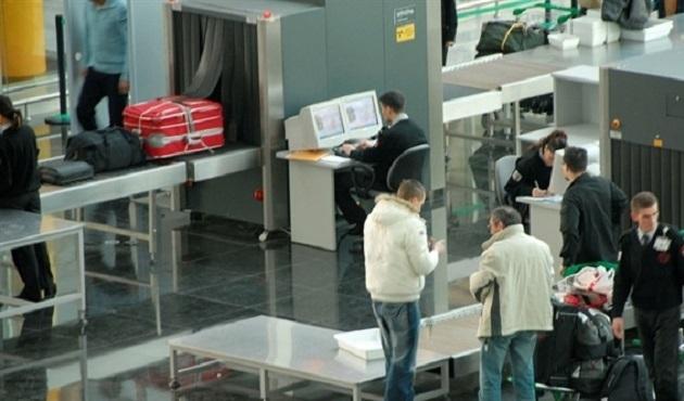 Havaalanında şüpheli valiz alarmı