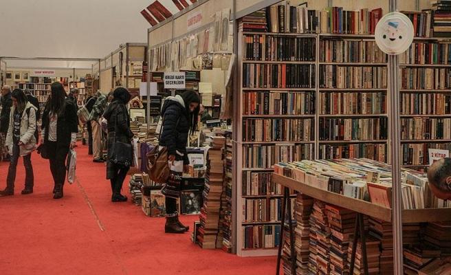 Sahaflar kitapseverlerin ilgisini bekliyor