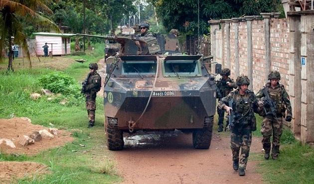 Fransa, seçimden sonra Orta Afrika'dan çekilecek